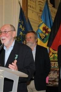 Pierre Largesse, Chevalier dans l'ordre national des Arts et des Lettres