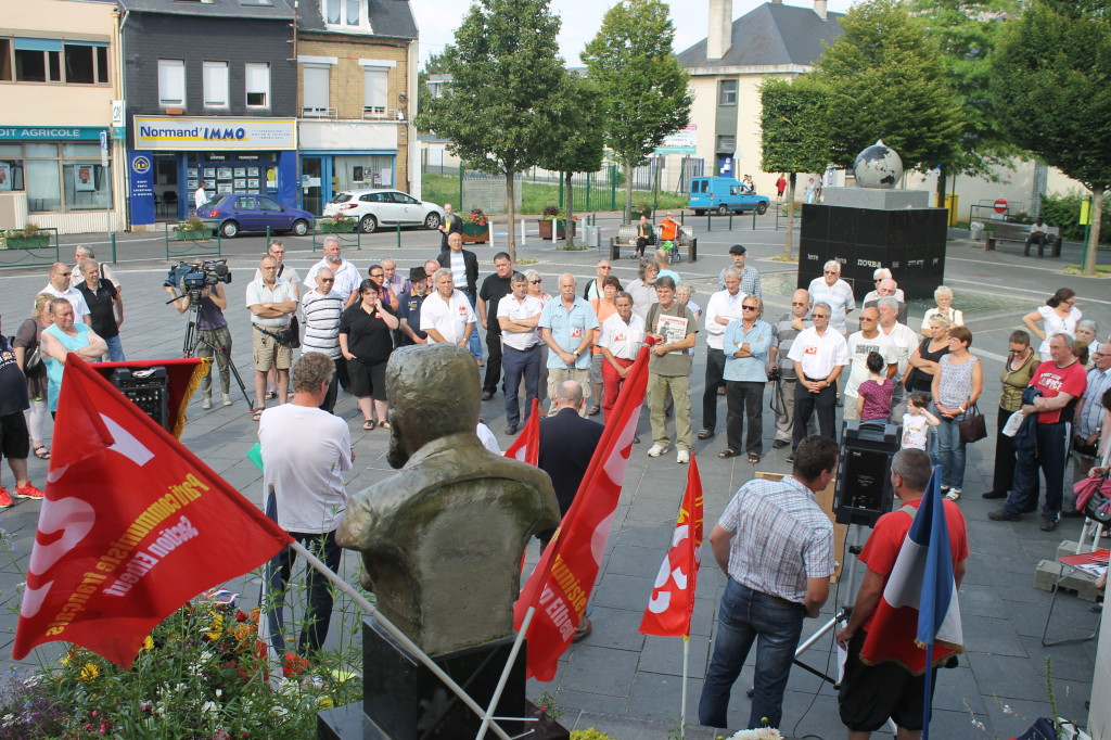 la manifestation de Caudebec les Elbeufs (photo J.Defortescu)