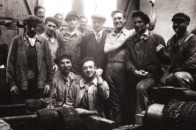 Grévistes des ateliers du Trait en 1936. © Coll. Paul Bonmartel