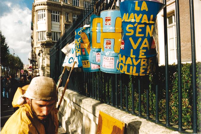 Devant-la-sous-préfecture-du-Havre.-©-Adias-ACH